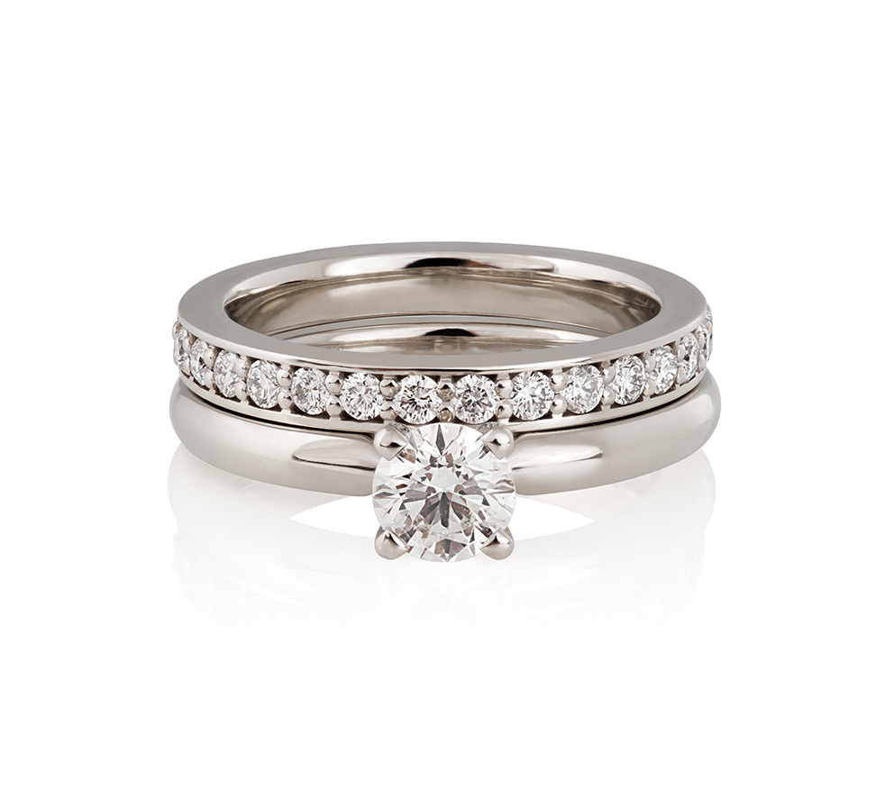 klasical engagement ring